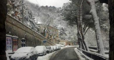 Viabilità, dal 15 novembre obbligo di catene a bordo o pneumatici invernali: le strade interessate