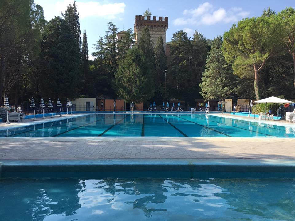 Narni stop ai bagni alla piscina di san girolamo cronache24 - Piscina comunale di ala ...