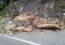 Maltempo, frana sulla Valserra: Massi in strada, nessun ferito, tutti gli interventi della Provincia