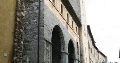 Narni, il Palazzo dei Priori e l'arrivo dei padri Scolopi 400 anni fa