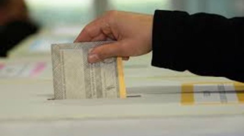 Elezioni, urne aperte per Europee e Comunali