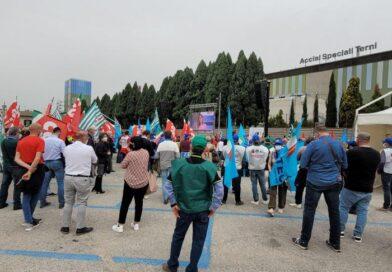 """Primo Maggio, manifestazione in Ast, Landini (Cgil): """"L'industria dell'acciaio è fondamentale"""""""